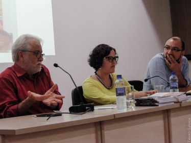 Emiliano José, professor Giovandro Ferreira e a diretora da Facom, Suzana Barbosa