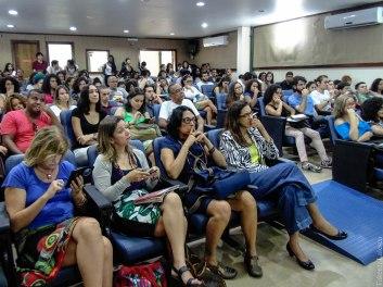 Público no debate